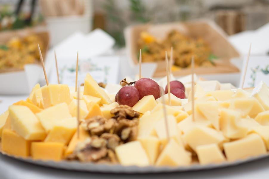 Esküvői falatkák sajttál