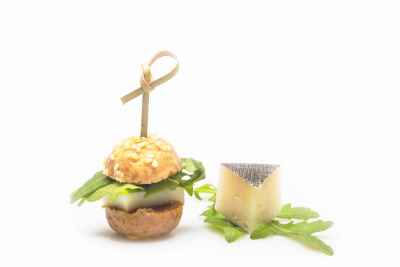 Kecskesajtburger