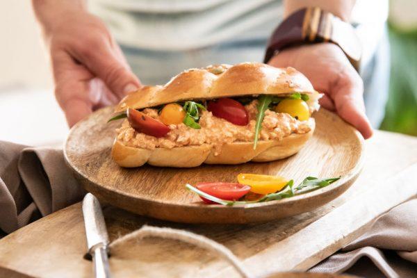 Körözöttes vega szendvics